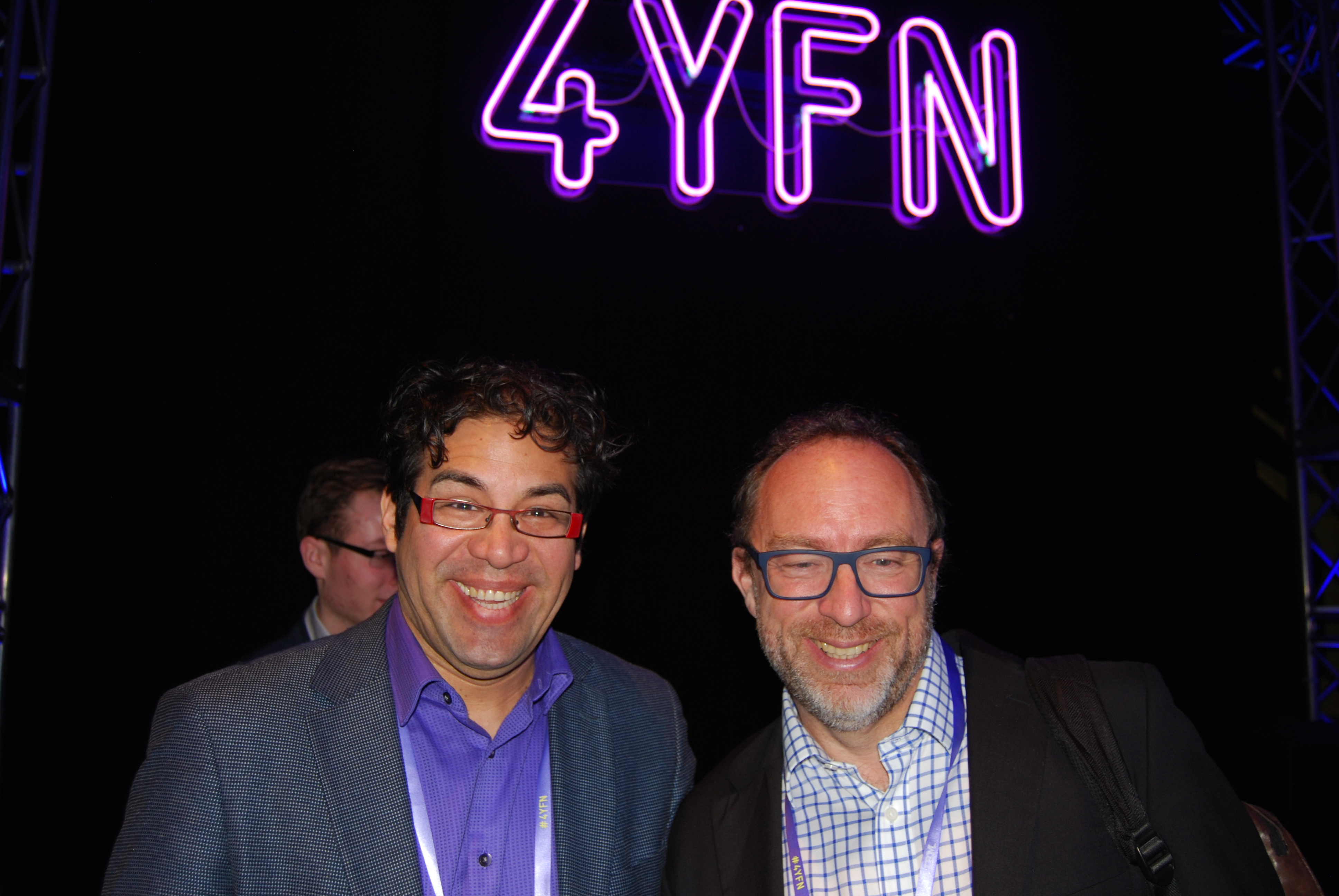 Con Jimmy Wales, fundador de Wikipedia